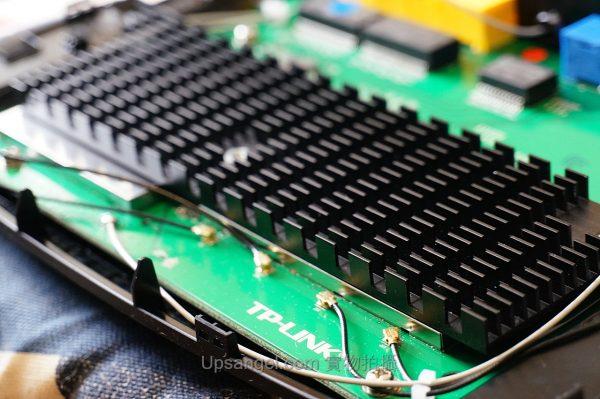 全球首發:TP-LINK WDR8500 首拆+首測、七天線AC2200 MU-MIMO大揭祕